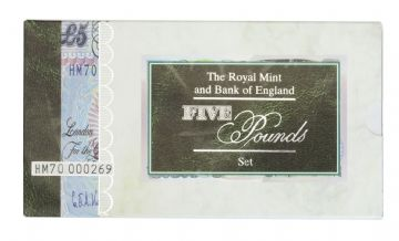 1996 The Royal Mint And Bank Of England Five Pounds Set